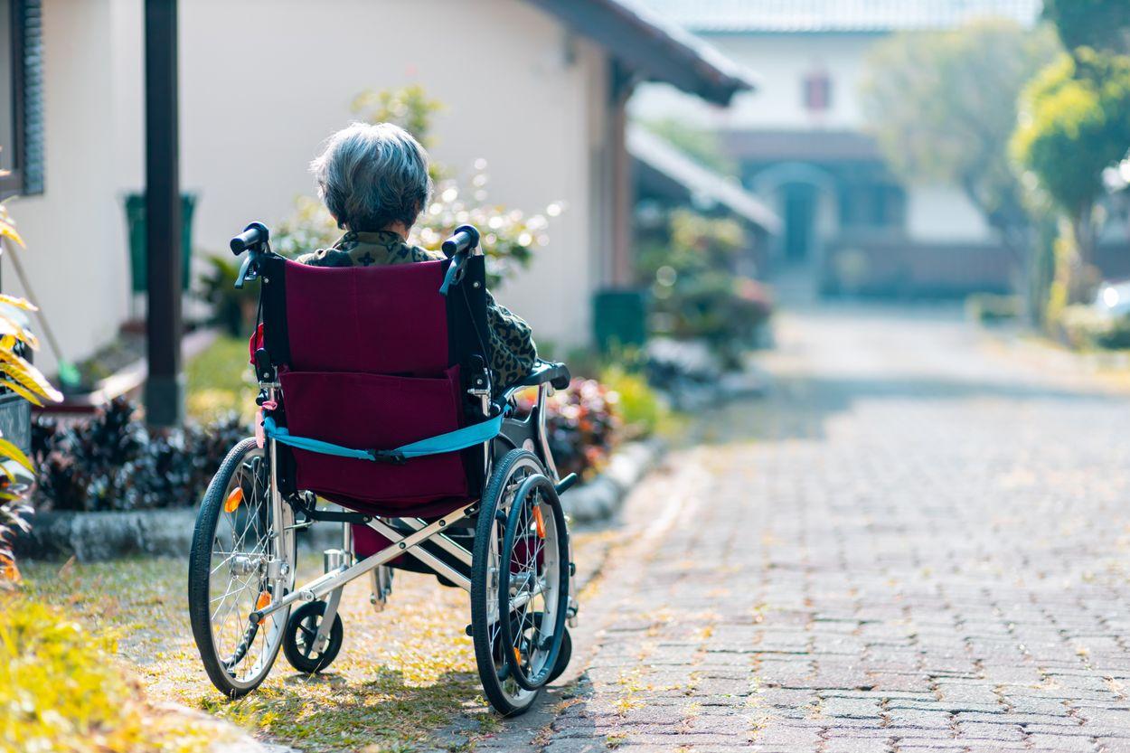 Afbeelding van Hoe treffen de coronamaatregelen dementerende ouderen?