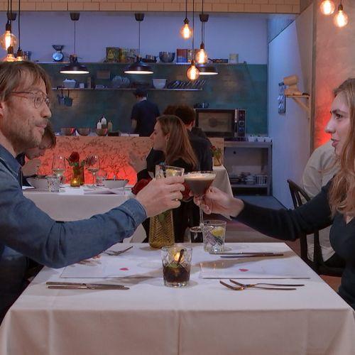 Afbeelding van Hoe voorkomt First Dates dat de dates elkaar vooraf zien?