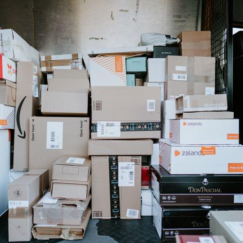 Afbeelding van Pakketbezorgers slepen PostNL voor de rechter. Waarom?