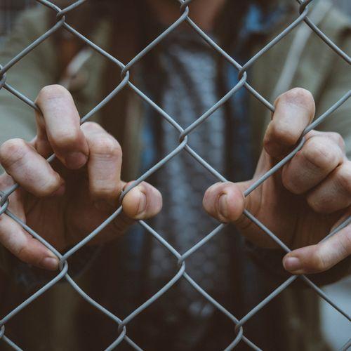 Afbeelding van Waarom worden migrantenkinderen voor uitzetting opgesloten?